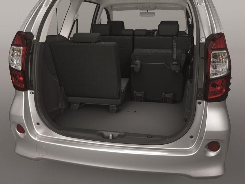 7 & 9 Seater Rentals - Minivans in Chiang Rai